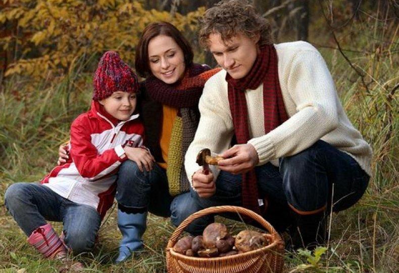 Семейная фотосессия в осеннем парке