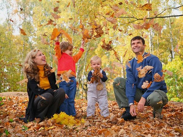 осенняя семейная фотосессия в парке идеи