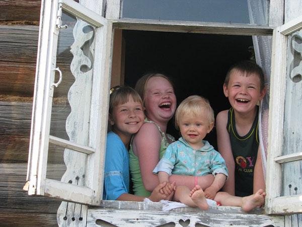 Домашняя фотосессия с ребенком в окне