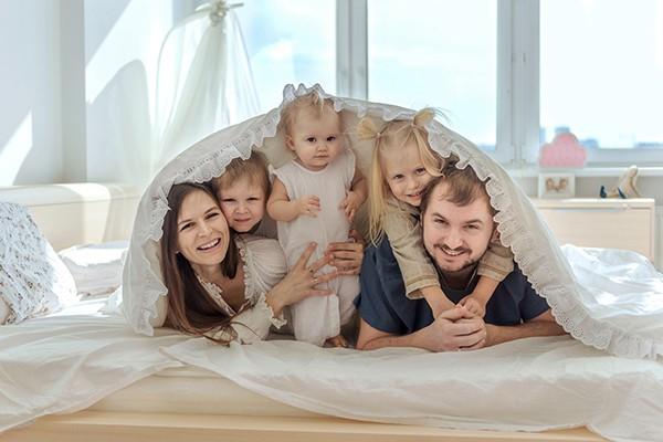 фотосессия под одеялом