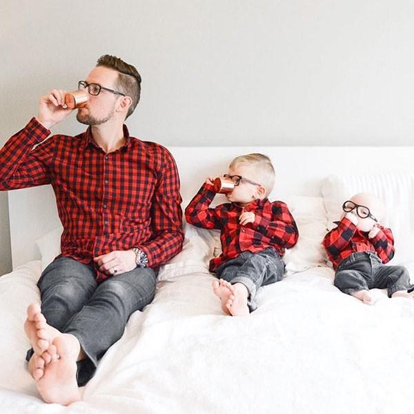фотосессия с детьми в кровати